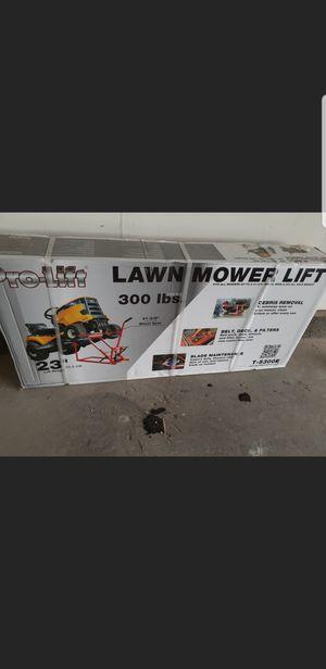 Lawn Mower Lift for Sale in Las Vegas, NV