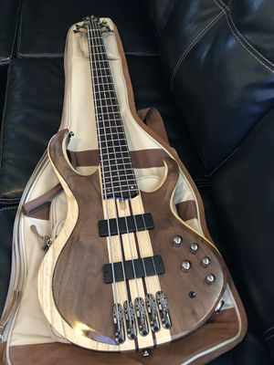 Ibanez BTB745 5 string Bass w/ Ibanez gig bag for Sale in Baltimore, MD
