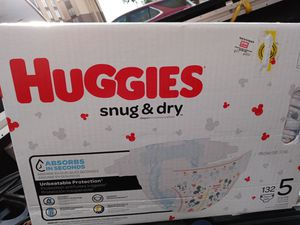 Size 5 huggies diapers for Sale in Aurora, CO