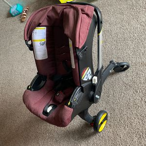 Car Seat with attached stroller for Sale in Yemassee, SC
