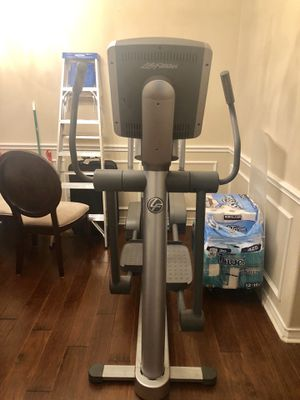 Life Fitness Elliptical for Sale in O'Fallon, MO