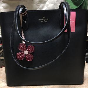 NWT Kate Spade Medium Tote for Sale in Murrieta, CA