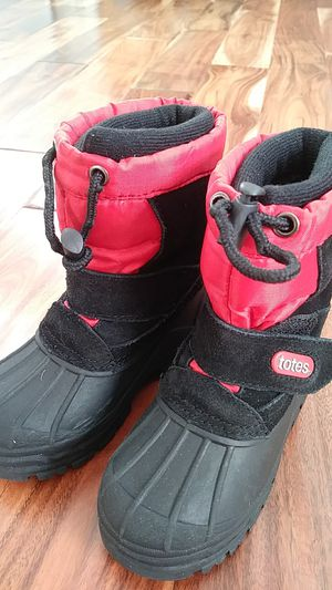 Kids snow boots size 9 for Sale in Charles Town, WV