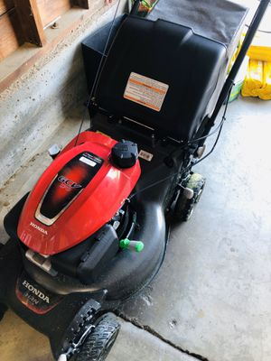 Honda Lawnmower- Great Condition for Sale in Sacramento, CA