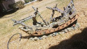 Xl boat for fish tank for Sale in Fontana, CA