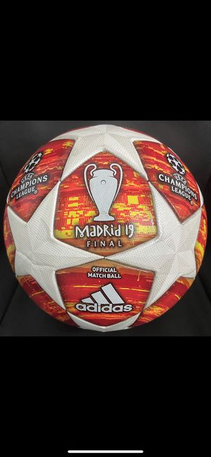 SOCCER BALL BRAND NEW MATCH BALL FIFA APPROVED CHAMPIONS LEAGUE NOT REPLICA OR TRAINING OFFICIAL SOCCER MATCH BALL SIZE 5. CASH ONLY NO DELIVERY, PIC for Sale in Annandale, VA