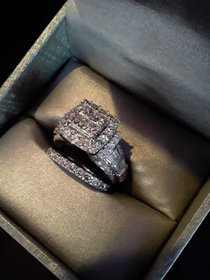 Zales 5ct 14kwg princess cut diamond engagement ring with band for Sale for sale  New York, NY