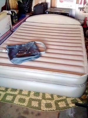 Coleman Opti-Aero Bed Queen for Sale in Costa Mesa, CA
