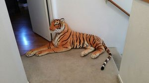 Giant stuffed animal tiger for Sale in Henderson, NV