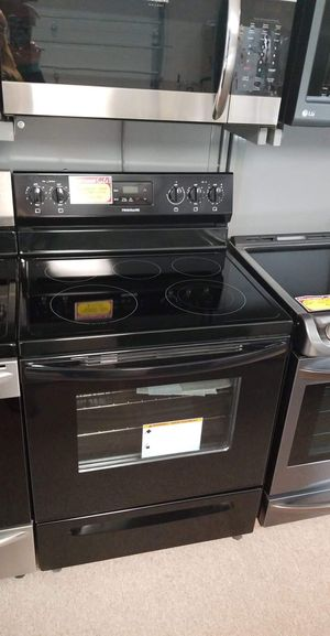 Brand New Frigidaire Black Electric Stove for Sale in Moyock, NC