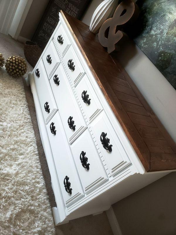 Beautiful, farmhouse style dresser