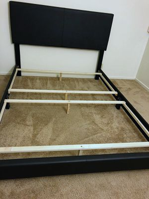 King size bed frame for Sale in Daly City, CA