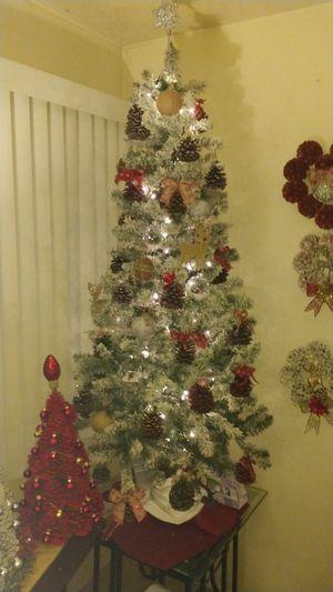 ELEGANT CHRISTMAS TREE for Sale in Albuquerque, NM