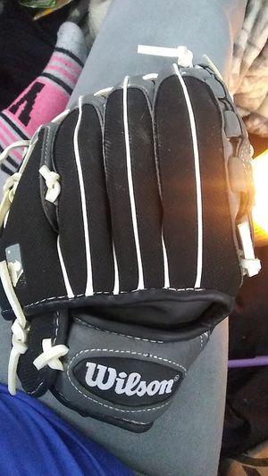Wilson Baseball Glove for Sale in Marysville, WA