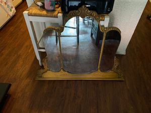 Antique mirror for Sale in North Providence, RI
