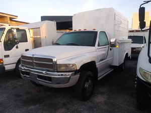 2000 dodge ram 3500 v8 magnum utility runs perfectly clean title ac cool automatico for Sale in Miami, FL