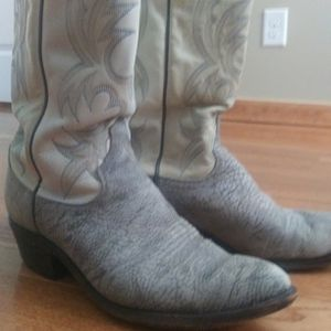 Mens Cowboy Boots Size 9.5 for Sale in Murfreesboro, TN