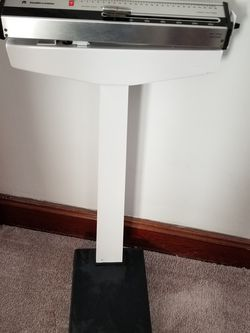 Healthometer Physician's Scale for Sale in Hicksville,  NY
