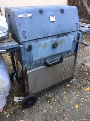 Bbq grill free for Sale in Mountain View, CA