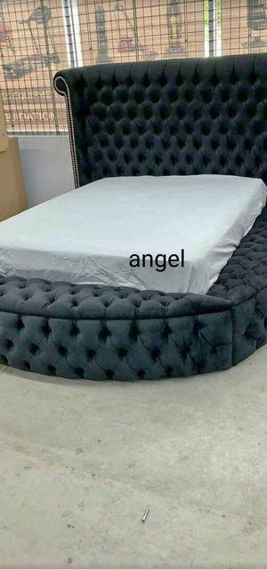🐞SAMEDAY DELIVERY 🐞SPECIAL] Luxus Velvet Gray Queen Storage Platform Bed for Sale in Jessup, MD