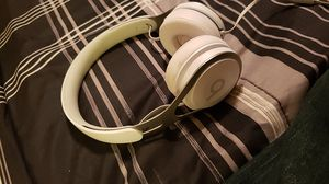 Dre beat solos ALL WHITE for Sale in Surprise, AZ
