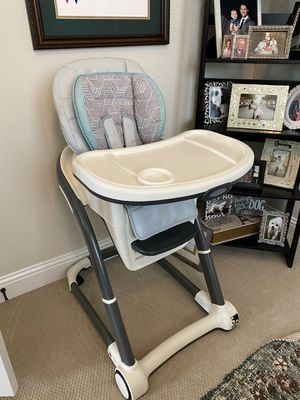 Graco 6 in 1 high chair (booster seat not included) for Sale in Frisco, TX