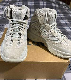 Yeezy DSRT BT for Sale in Lincolnwood, IL