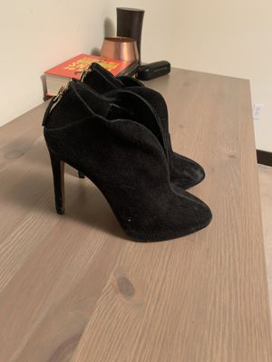 8 Pairs of Shoes - Sizes 5, 5.5, 6 for Sale in Los Angeles, CA