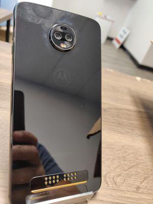 Motorola Moto Z3 unlocked/liberados for Sale in Dallas, TX