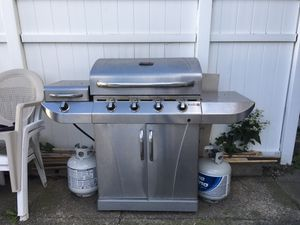 BBQ Grill - Charbroil for Sale in Brooklyn, NY