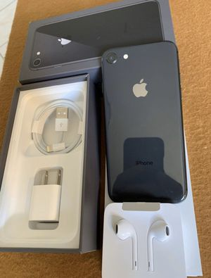 iPhone 8 space gray 64gb factory unlocked (desbloqueado para todas las compañías) for Sale in Rosemead, CA