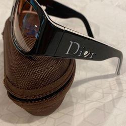Dior Sunglass, Like New for Sale in Tacoma,  WA