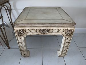 Wood side table (sturdy and heavy) for Sale in Boca Raton, FL