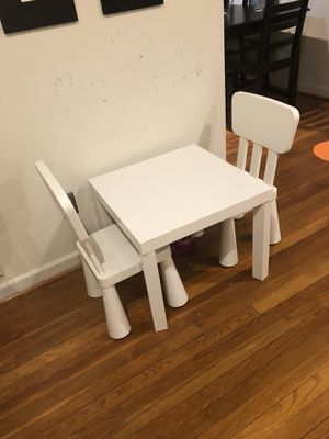 Kids Table and Chairs for Sale in Silver Spring, MD