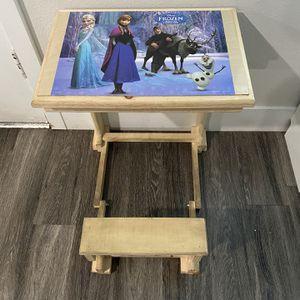 frozen kids wood desk for Sale in Long Beach, CA