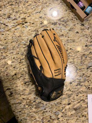 Mizuno Softball/Baseball Glove for Sale in Goodyear, AZ