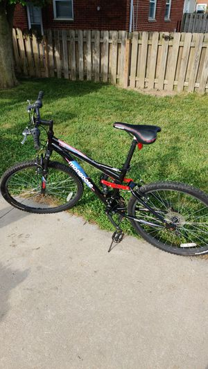 Mongoose standoff 26 in 21-speed for Sale in Parma, OH