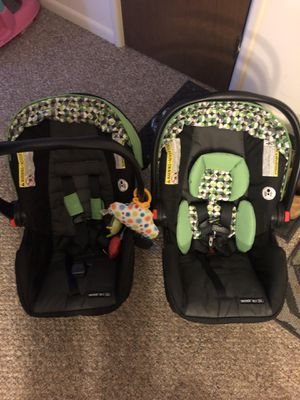 Graco snugride click connect car seats and base bundle for Sale in Glenville, NY