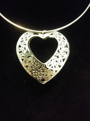 New heart pendant necklace set for Sale in Yonkers, NY