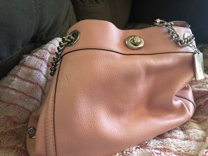 Slightly used beautiful pink leather Boss Babe essential Fall Coach purse. 💋✅Cleaning kit avail if wanted for 10. for Sale in Forest City, MO