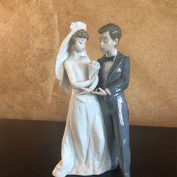 Lladro Wedding Figurine for Sale in Vacaville,  CA