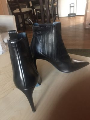 Ladies ankle fashion boot sz 41 in black color heel for Sale in Redlands, CA