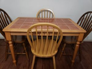 1 wooden/tile BREAKFAST table with 4 chairs. DESAYUNADOR NUEVO con 4 sillas. MADERA/LOZA. for Sale in Houston, TX