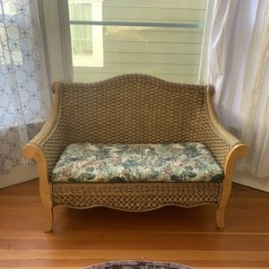 Gorgeous Rattan Loveseat for Sale in Milwaukie, OR