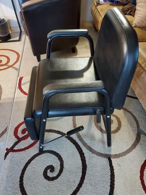 Salon chair for Sale in Chandler, AZ