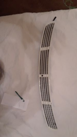 Mercedes E350 2007 engine Hood cowl for Sale in St. Louis, MO