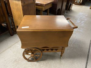Vintage tea cart drop leaf table $50 for Sale in Cheshire, CT