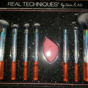 Real Technique & Other Brushes (SEE PICTURES) for Sale in Englewood, CO