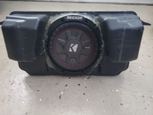 """Small Subwoofer Kicker 6.5"""" in good condition for Sale in Orlando, FL"""