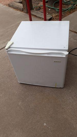 Magic chef fridge for Sale in Tempe, AZ